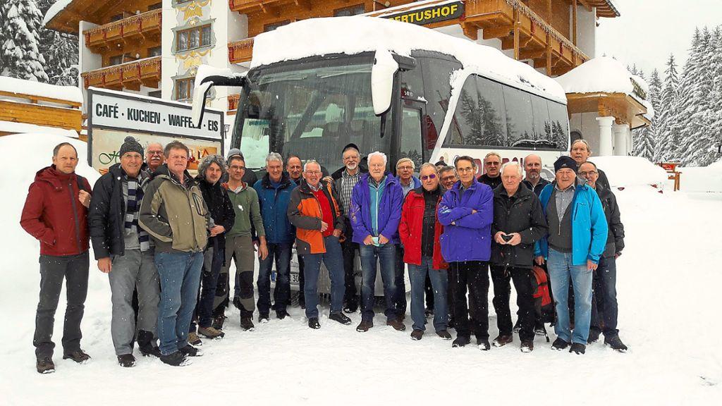 Die Langlaufgruppe Des SSC Schwenningen Bei Ihrer Tour Ins Loipenparadies  Von Seefeld Leutasch Foto: