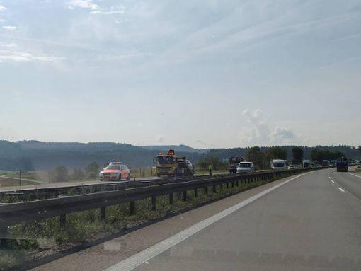 Auf der A 81 zwischen Rottweil und Oberndorf hat ein Fahrzeug gebrannt. Foto: Heidepriem