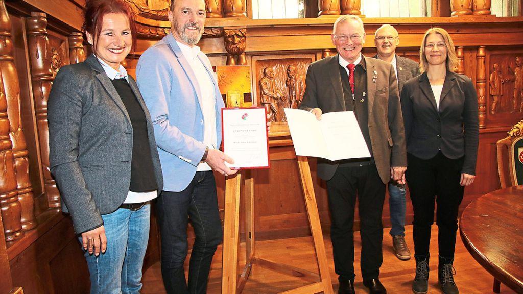 Triberg: Er hilft, der Stadt ein Herz zu geben - Triberg - Schwarzwälder Bote