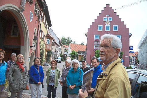Durch das alte Löffingen führt Werner Waßmer auf dem alten Pilgerweg zur Wallfahrtskirche Witterschnee.  Fotos: Kerdraon Foto: Schwarzwälder-Bote