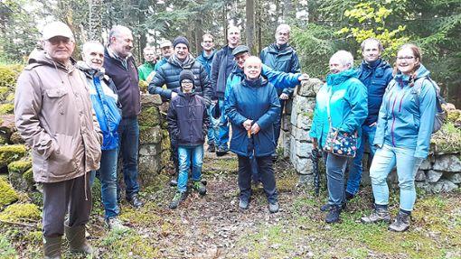Die amtierenden Ortschaftsräte und die Kandidaten gehen gemeinsam auf Exkursion.   Foto: Privat Foto: Schwarzwälder Bote