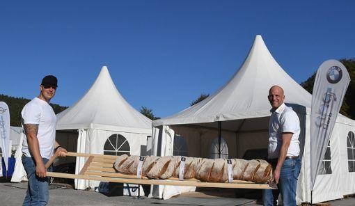 Alexander und Matthias Saur haben einen echten Großbauer für die Neckarwoche gebacken! Foto: Maria Hopp