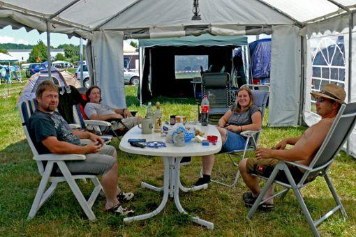 Die Tuttlinger Daniel (von links), Ingo, Tanja und Gerd freuen sich auf den Festival-Beginn. Foto: Merk