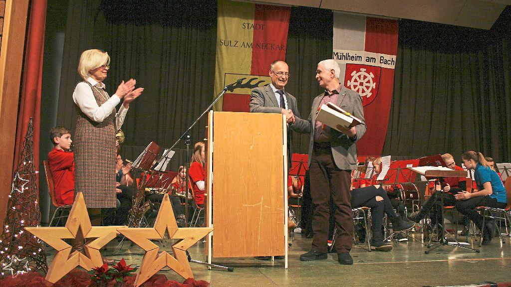 Gerd hieber links mit den geehrten von links helmut for Wolfgang hieber