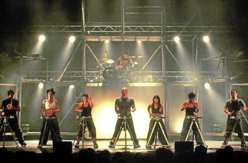 Shektak aus Israel bieten eine ungewöhnliche Mischung aus Tanz, Comedy und Percussion. Foto: Promo