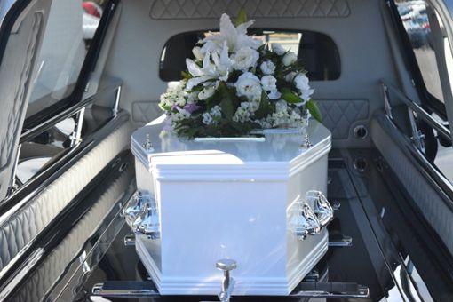 Während der Beerdigung stiegen die Diebe in das Haus des Verstorbenen ein. (Symbolfoto) Foto: © pixabay / carolynabooth