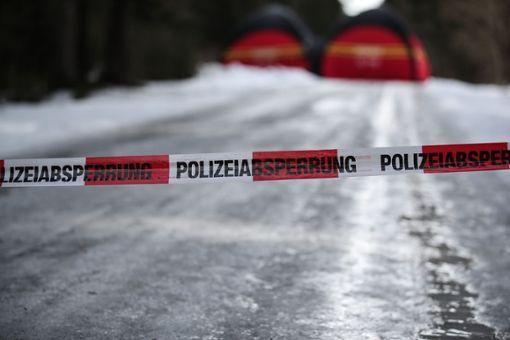 Der Tatort ist weiträumig abgesperrt. Foto: Marc Eich