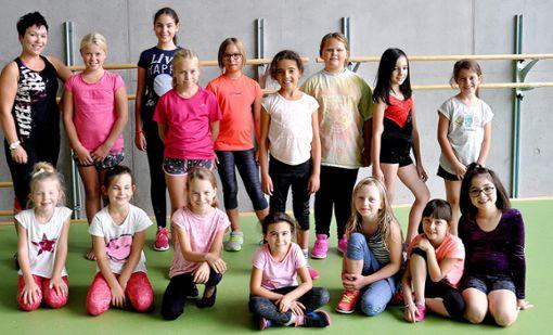 Auch die jüngsten Tänzer zwischen sechs und elf Jahren haben beim Zumba ihren Spaß.  Fotos: Reinhardt Foto: Schwarzwälder Bote