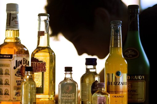 Teilnehmende Geschäfte verkaufen keine branntweinhaltigen Getränke mehr an unter 25-Jährige. (Symbolfoto) Foto: Büttner
