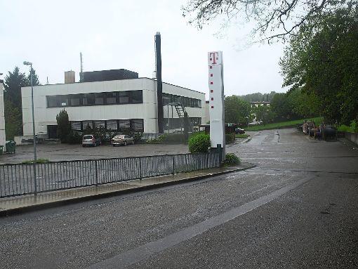 Das Telekom-Areal soll Bagebiet werden. Aber die Ortsvermittlungsstelle bleibt.   Foto: Hölle Foto: Schwarzwälder-Bote