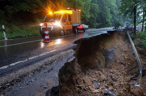Den Kreis Biberach haben mehrfach Unwetter heimgesucht und teilweise schwere Schäden hinterlassen. CArchivfoto) Foto: dpa