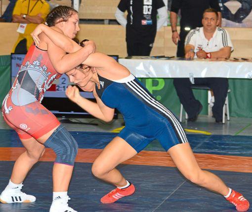 Nach zweijähriger Wettkampfpause startet Nadine Weinauge (Furtwangen/links) ein Comback. Sie ist nicht ohne Medaillenchancen.  Foto: Herzog Foto: Schwarzwälder Bote