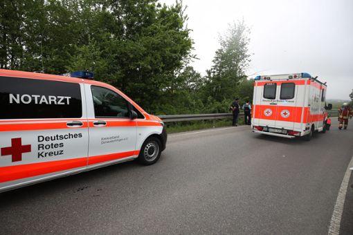 Bei einem Unfall nahe Bad Dürrheim hat am Montagnachmittag ein 51-jähriger Motorradfahrer schwere Beinverletzungen erlitten. Foto: Marc Eich