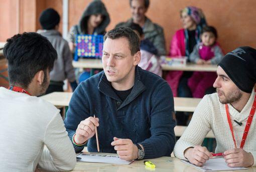 Viele Flüchtlinge  ziehen beim Reflektieren zu ihrer Situation auch eine Rückkehr in ihre Heimat in Betracht.   Foto: dpa