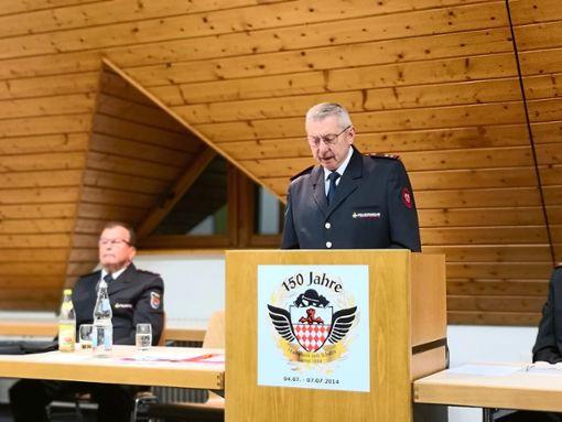 Hans Schwab bei seinem Rückblick innerhalb der Hauptversammlung im Feuerwehrgerätehaus.  Foto: Braun Foto: Schwarzwälder Bote