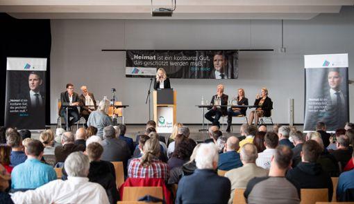 Christina Baum, AfD-Abgeordnete im Landtag von Baden-Württemberg, spricht in der Burladinger Stadthalle.  Foto: dpa