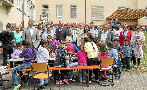 Es war bereits  das zweite Café Asyl. Diesmal kamen neben den Bewohnern und  anderen Interessierten   auch offizielle Vertreter verschiedener Behörden.   Foto: Ließmann Foto: Schwarzwälder-Bote
