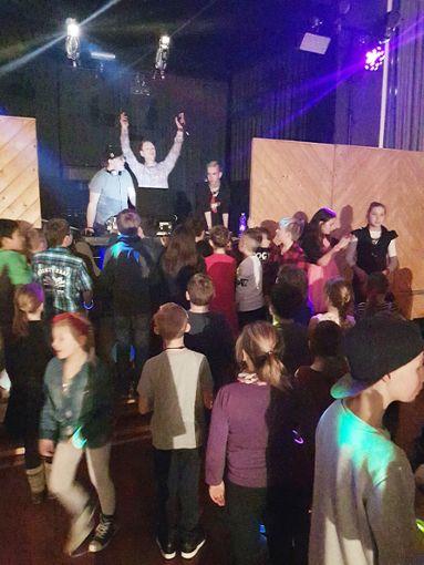 Die Kinder- und Jugenddisco machte allen Beteilgten  viel Spaß.  Foto: Jugendbüro Foto: Schwarzwälder Bote