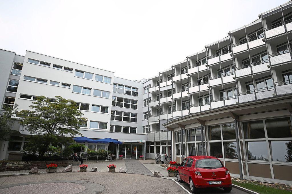 Königsfeld: Rohrbruch legt Klinik trocken - St. Georgen