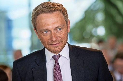 Der FDP-Bundesvorsitzende Christian Lindner wirft den anderen Parteien vor, die Steuerzahler auszuplündern. Foto: dpa