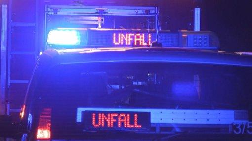 Ein 25-jähriger Fußgänger ist bei einem schweren Unfall auf der B 462 getötet worden. (Symbolfoto) Foto: Nonstopnews