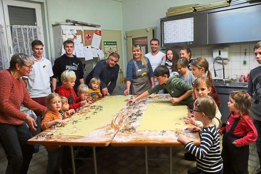In der Weihnachtsbäckerei können Kinder selbst Ausstecher backen.  Fotos: Archiv Foto: Schwarzwälder Bote