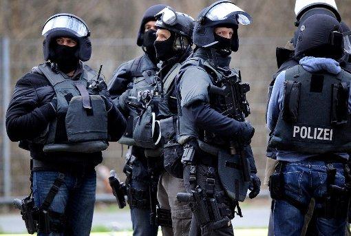 An dem Einsatz war auch eine Spezialeinheit der Polizei beteiligt. (Symbolfoto) Foto: Becker
