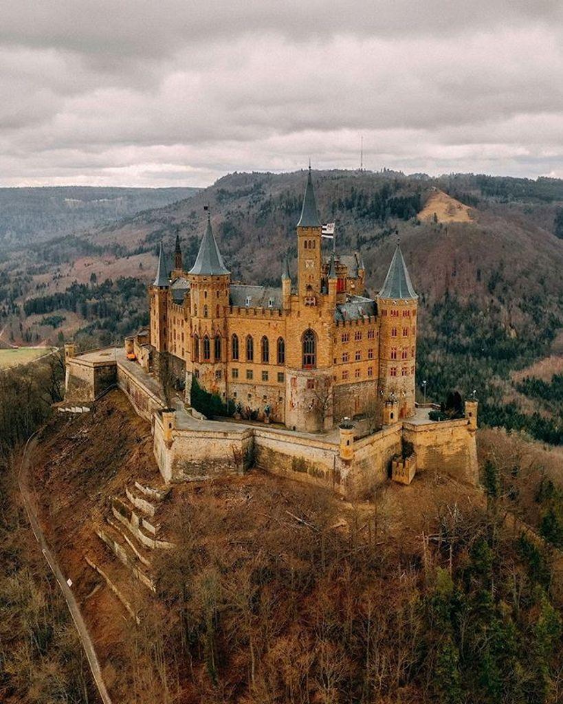 Das Uberrascht Kaum Die Burg Hohenzollern Ist Auch Auf Instagram Ein Beliebtes Fotomotiv Doch Auch Andere Bilder Werden Oft Geliked Schwarzwalder Bote