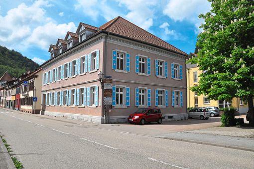 Das Engelschulhaus in der Vorstadtstraße soll für den Neubau zur Erweiterung des Brenz-Heim abgerissen werden.   Foto: Kornfeld Foto: Schwarzwälder Bote