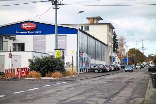Der Firmensitz von Mehrer an der Rosenfelder Straße in Balingen – in Verlängerung plant das Unternehmen den Bau einer neuen Produktions- und Montagehalle. Foto: Maier