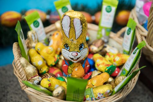 Bis man bei Familienfeiern endlich das ersehnte Osternest bekommt, kann es eine Weile dauern. Foto: dpa