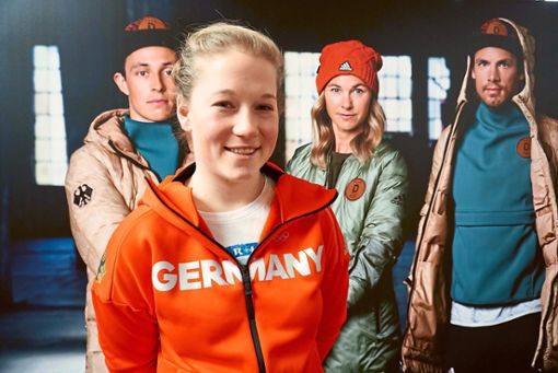 Jana Fischer steht das Olympia-Outfit schon sehr gut. Foto: Schwarzwälder Bote