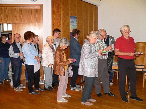 Immer wieder lange Schlangen gab es am Wahlsonntag im evangelischen Gemeindehaus in Unterreichenbach.   Fotos: Krokauer Foto: Schwarzwälder Bote