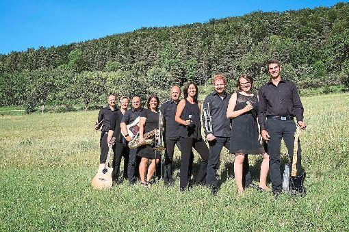 Die Musiker von Querbeet-Live sind voller Vorfreude auf die kommende Partynacht.  Foto: Querbeet-Live Foto: Schwarzwälder-Bote