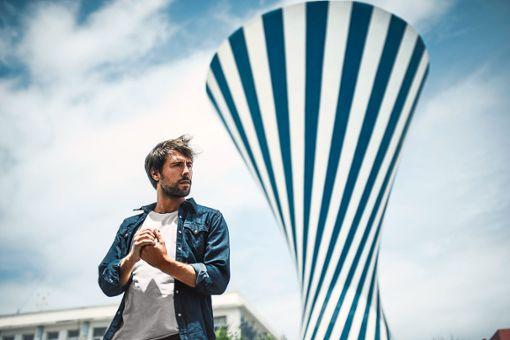 Max Giesinger geht mit seinem neuen Album Die Reise  auf die bislang größte Headliner-Tour seiner Karriere.    Foto: Christoph Koestlin