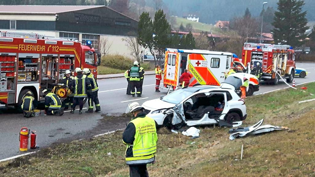 Baiersbronn 18 Jähriger Gerät Auf Gegenfahrbahn Schwerer Unfall