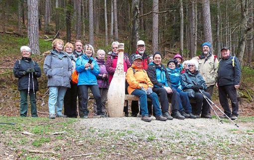 Die Wanderfreunde des Schwarzwaldvereins Dobel waren in großer Zahl auf dem prämierten Wanderweg Der Teinacher unterwegs.  Foto: Verein Foto: Schwarzwälder Bote