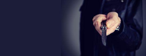 Ein 34-Jähriger muss sich wegen versuchten Totschlags verantworten. (Symbolfoto) Foto: ©Firma V – stock.adobe.com