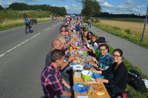 Die lange Tafel zwischen den Stadtteilen war der Höhpunkt im Jubiläumsjahr von Villingen-Schwenningen. Foto: Mareike Kratt und Martina Zieglwalner