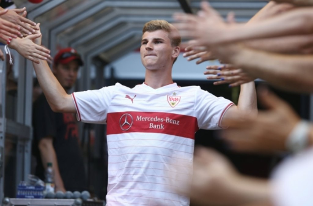 das heimtrikot des vfb stuttgart foto timo werner. Black Bedroom Furniture Sets. Home Design Ideas
