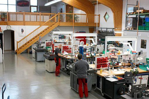 22 Mitarbeiter hat die Aggregate-Manufaktur Atemag in Hofstellen. Ihre Produkte kommen vor allem in holzver- und bearbeitenden Maschinen zum Einsatz.  Foto: Atemag Foto: Schwarzwälder Bote