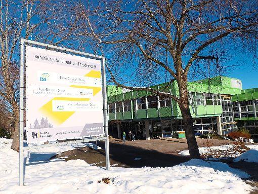 Im  beruflichen Schulzentrum ist nach dem Polizeieinsatz am Mittwoch wieder weitgehend der Alltag eingekehrt.    Foto: Müller