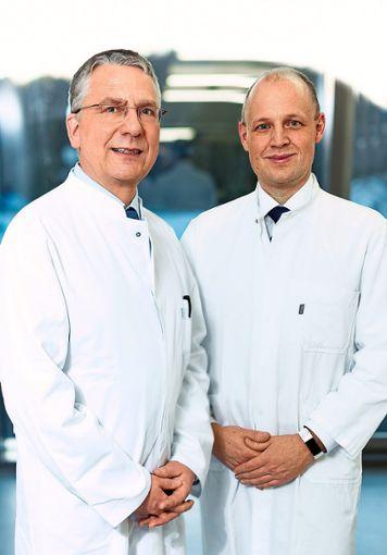Bei moderneren Operationsmethoden haben sich Volker Zimmermanns (links) und Stephan Kruck einen Namen gemacht.  Foto: Klinikum Foto: Schwarzwälder Bote