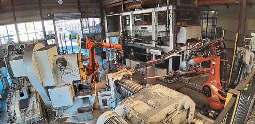 Die neue Schmiedeanlage besteht im Wesentlichen aus einer Verknüpfung von mehreren Schmiedeeinheiten und Robotern mit anwendungsspezifischer Greifertechnologie.  Foto: SHW Schmiedetechnik Foto: Schwarzwälder Bote