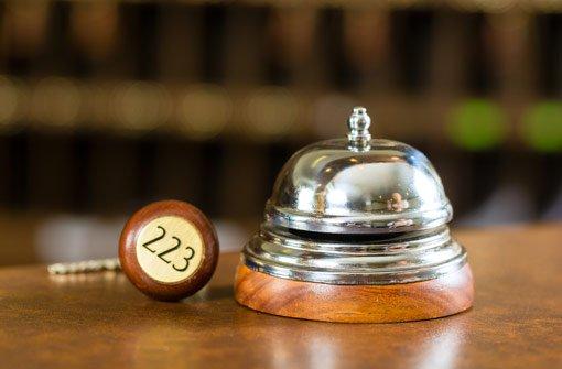 Statt im Hotel zu klingeln, rüttelte der betrunkene Tourist an einem fremden Rollladen. (Symbolfoto) Foto: Kzenon /Shutterstock