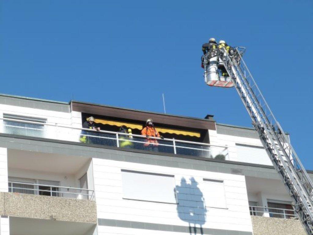 Oberndorf An Lindenhof Feuerwehr Löscht Brand In Wohnung