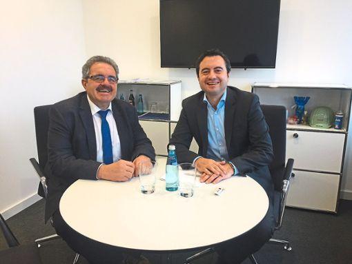 CDU-Landtagsabgeordneter Karl Rombach   (links) im Gespräch mit Ralph Wurster (Geschäftsführer Südwestmetall, Bezirksgruppe Schwarzwald-Hegau).    Foto:  Büro Rombach Foto: Schwarzwälder Bote