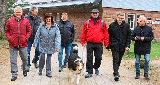 Die CDU-Gemeinderatskandidaten machten sich auf Schusters Rappen auf den Weg der Hochtalrunde.  Foto: CDU Foto: Schwarzwälder Bote