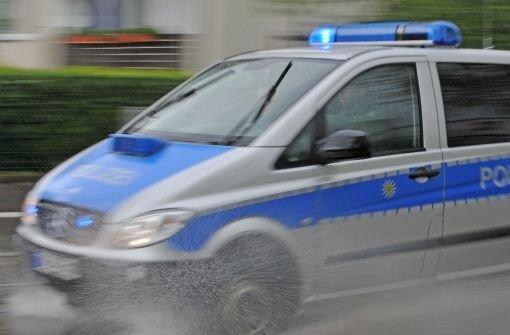 Am Freitagvormittag ist ein Säugling in Ludwigsburg in einem Linienbus aus seinem Kinderwagen herausgeschleudert worden. (Symbolbild) Foto: dpa