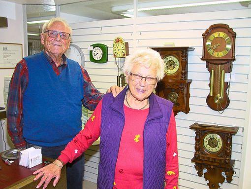 Uhren-Schwarz in Rosenfeld schließt  Ende Juni.   Martina und Helmut Schwarz genießen danach   ihren Ruhestand.  Foto: May Foto: Schwarzwälder Bote